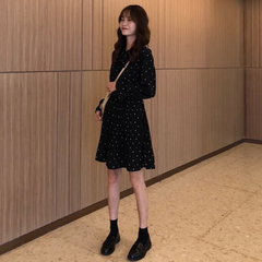 春装女装韩版气质中长款波点压褶长袖连衣裙chic复古港味学生裙子