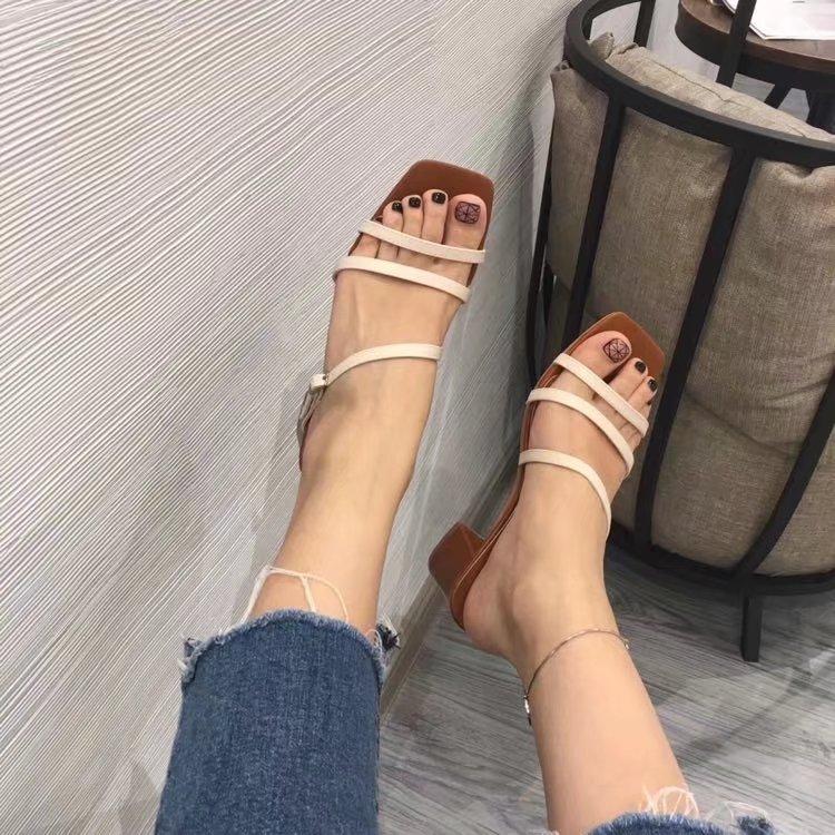 2018 summer new one line buckle thick heel sandals open toe square Roman shoes comfortable versatile high heels