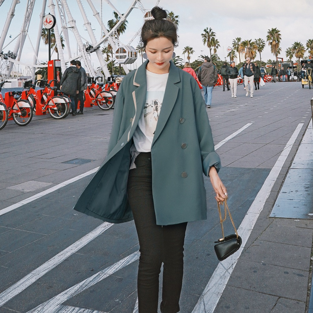 Real shot fashionable retro contrast double collar metal button oversize suit coat for womens autumn 2020 new style suit