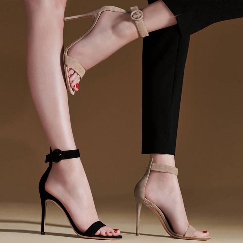細高跟一字帶涼鞋女2020年新款夏季女士百搭時裝涼鞋女仙女風