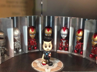 DJ Hot Toys IRON MAN TONY STARK Iron Man 3 Tony COSBABY even hangar