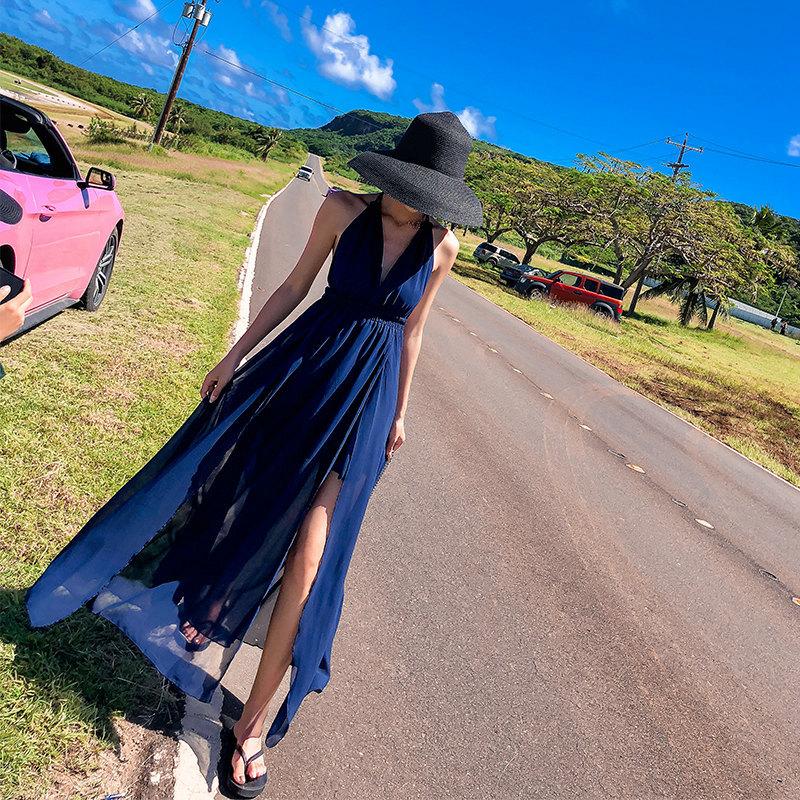泰国沙滩长裙子仙女夏2019新款海边度假性感大露背绿叶吊带连衣裙