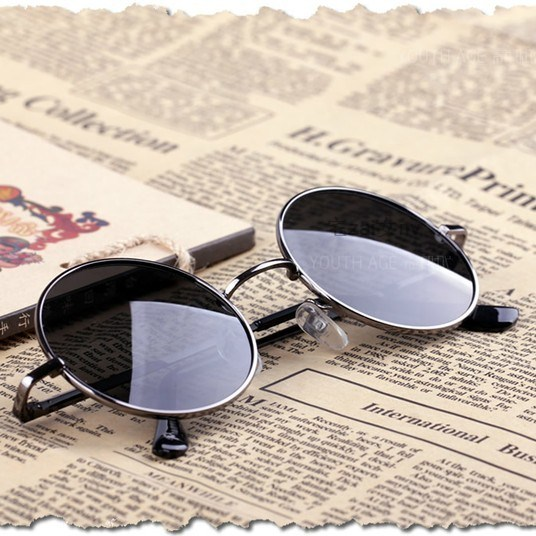 Retro round glasses Prince glasses mens and womens fashion dazzling color reflective Sunglasses mens and womens round frame color film small Sunglasses