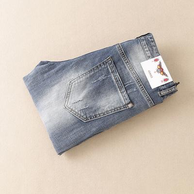 2018夏季薄款浅色刺绣破洞牛仔裤男 货号18C820 P180