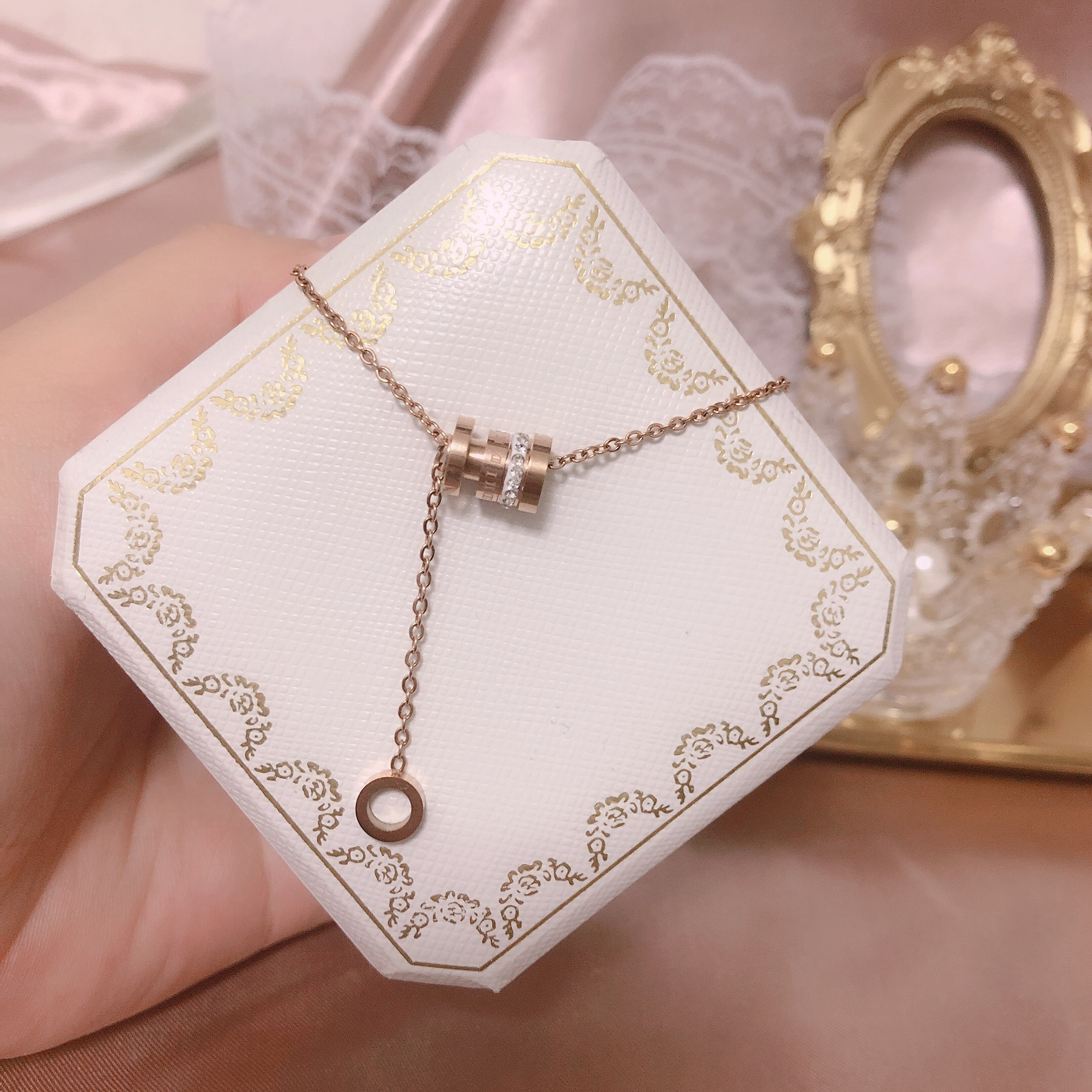 Roman numeral Rose Gold Titanium Steel Necklace female clavicle chain inlaid with Gemstone alloy temperament circle colorless Pendant