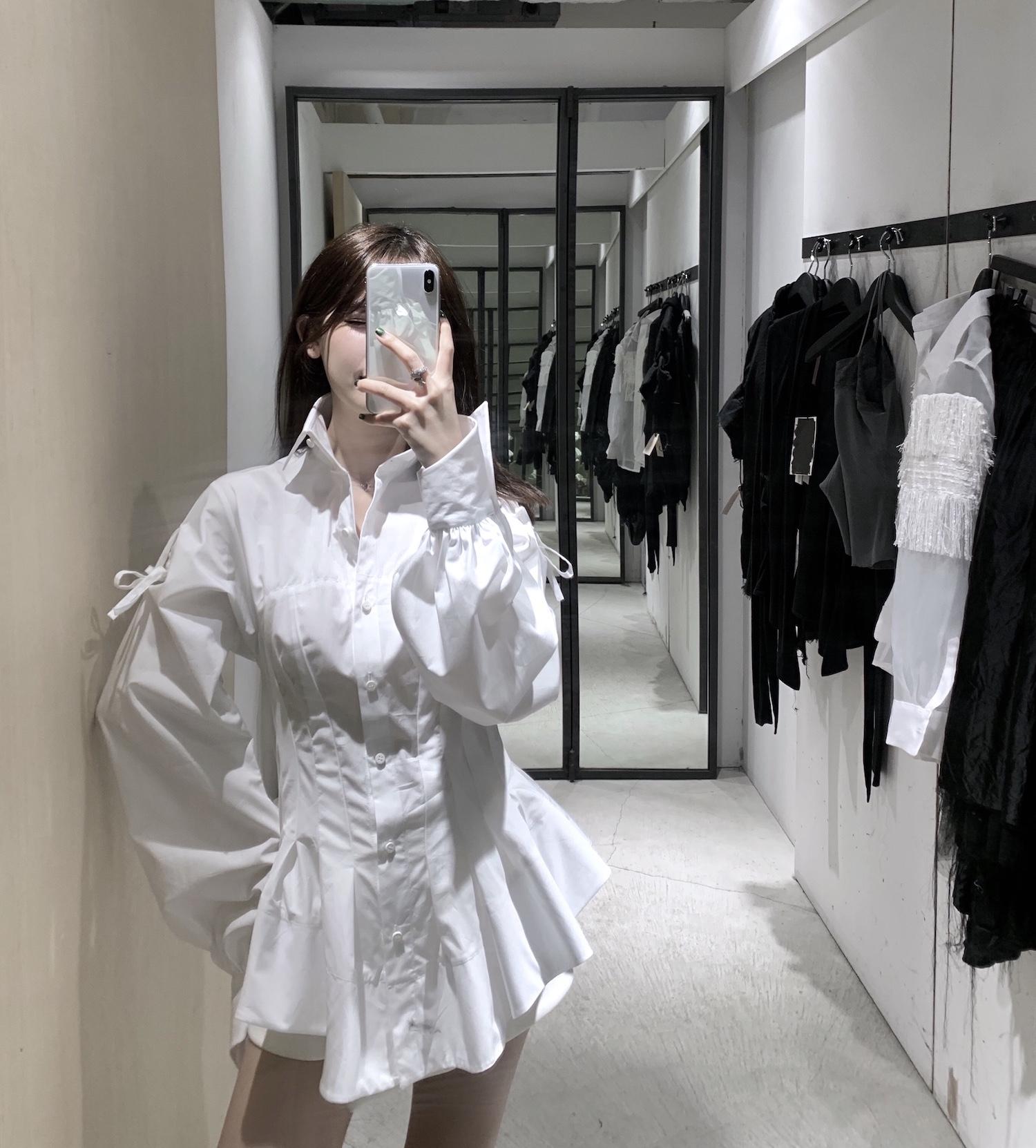 CHIYCOU 小众暗黑风少女 宫廷收腰蝴蝶结灯笼袖白色立体裁剪衬衫269.00元包邮