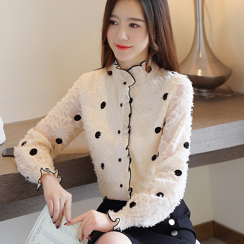 2020 lace bottoming, top thickening, long sleeve, new shirt, westernized womens clothing, autumn and winter small shirt, plush and trendy
