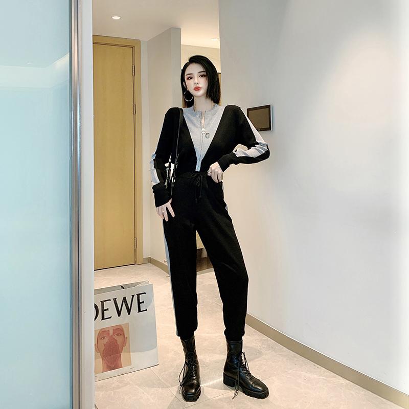 刘啦啦 休闲撞色V立领曲珠冰丝针织套装女春季2020新款韩版时尚潮 thumbnail