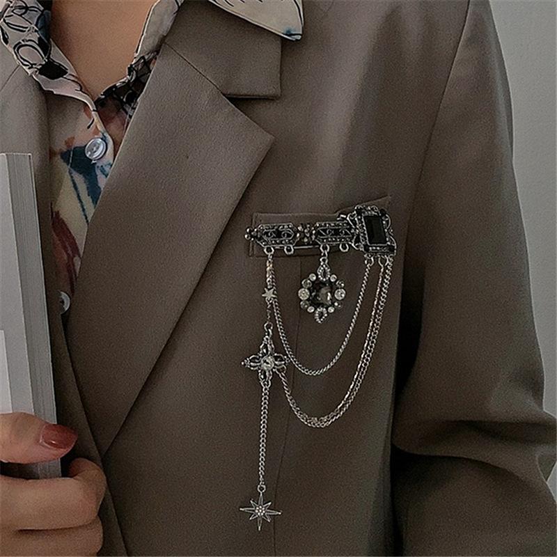Dark six awn star tassel pendant retro pin Baroque gem decoration simple personality Brooch female