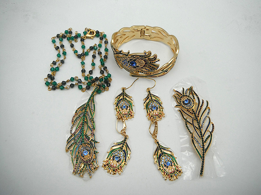 Qingdao jewelry plated 18K Gold Enamel colored glaze marking m * a point diamond fashion peacock feather Set Necklace