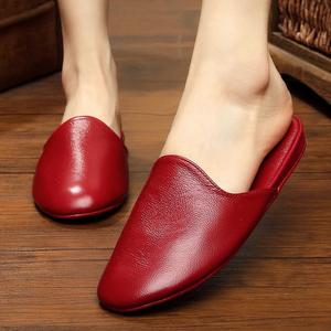 新款韩版秋冬天情侣家居拖鞋真皮地板室内女拖鞋包头牛皮男居家鞋