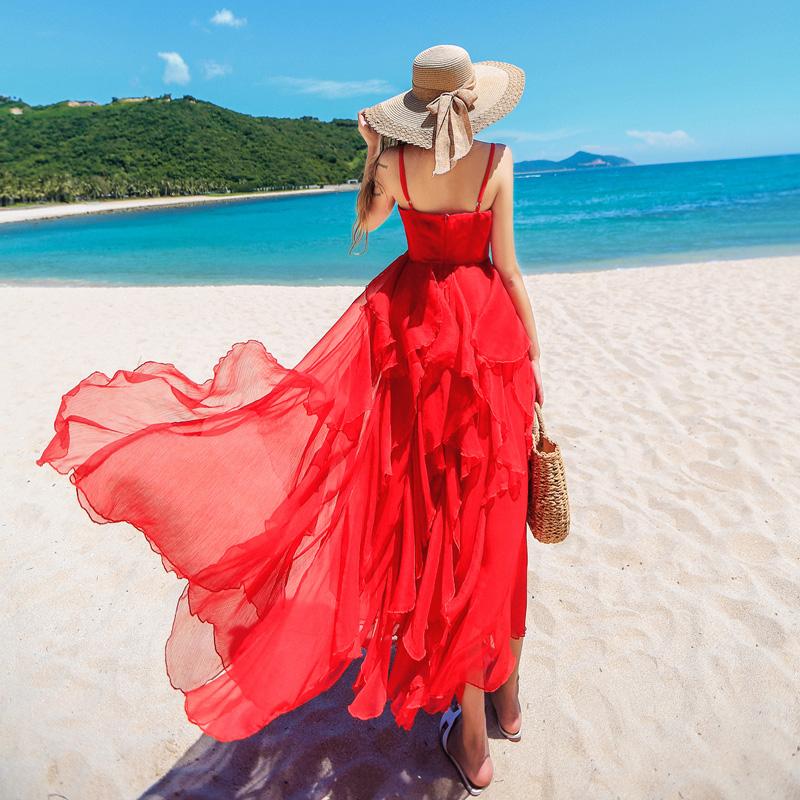 连衣裙夏2019新款超仙海边度假长款巴厘岛吊带裙三亚红色沙滩裙女