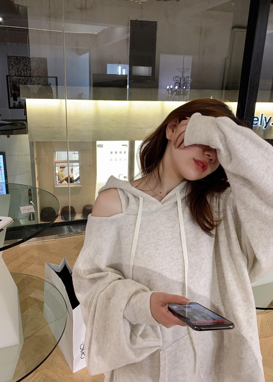 HVIVI 露肩连帽卫衣女宽松韩版2020新款春夏薄款慵懒风上衣外套潮图片