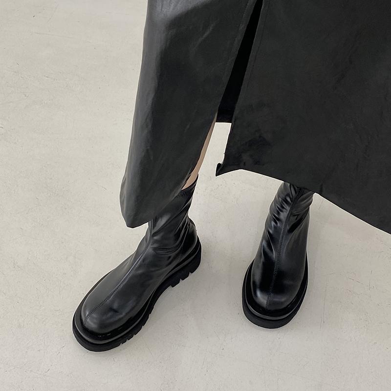 年新款秋冬季韩版百搭显瘦弹力靴增高圆头马丁靴2020厚底短靴子女