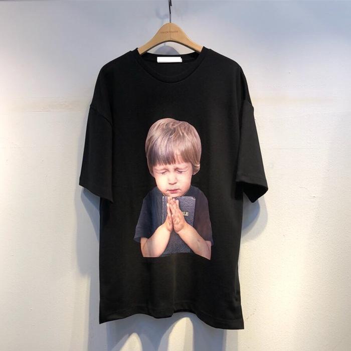 韩国东大门男装代购祈祷萌娃贴图棉质宽松圆领高街韩版短袖T恤TEE