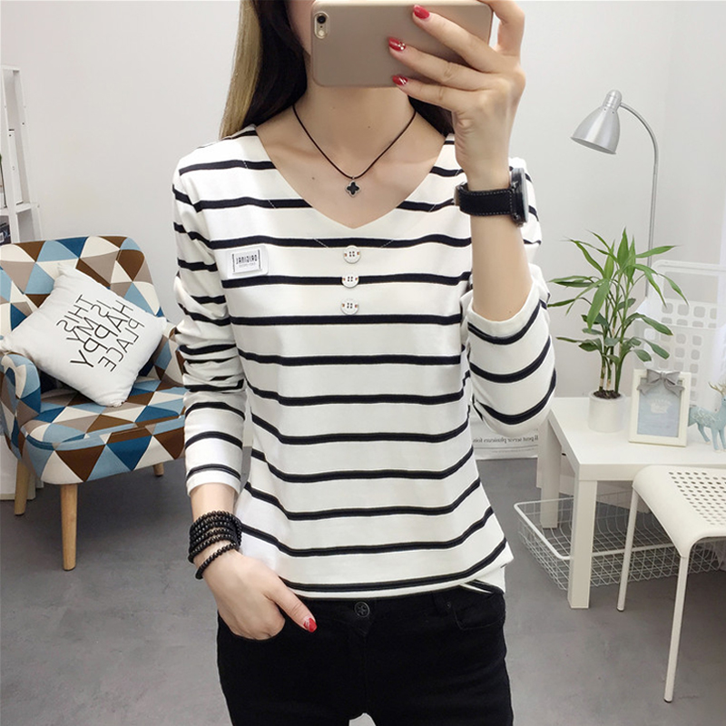 Early spring 2021 new long sleeve T-shirt womens wear striped V-neck cotton bottomed shirt for students to wear outside in autumn