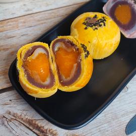 【裸价临期】丹拿蛋黄酥约50g海鸭蛋流心蛋黄酥等传统休闲糕点图片