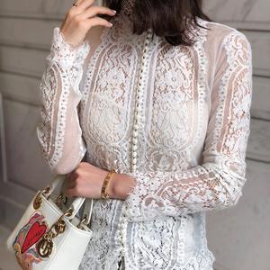 性感蕾丝衫女士上衣长袖2019新款春夏内搭珍珠白色打底衫高领开衫