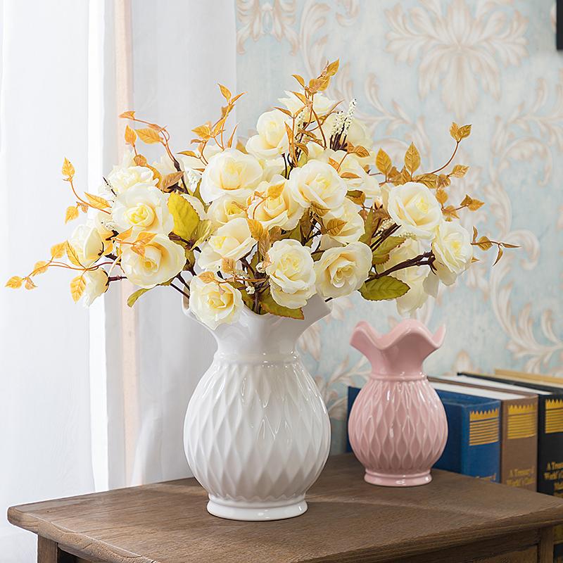 近代的な陶磁器の花瓶の客間のテレビの箱の花は新しい中国式の食卓の生花の瓶のアイデアの水を挿し込んで花瓶のトランペットを育てます。