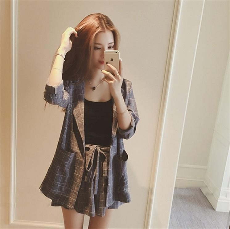 Spring 2020 new Korean fashion three piece suit foreign style net red summer temperament small Suit Shorts suit women fashion