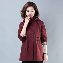 妈妈外套中年女式春秋外衣薄夹克2019新款中老年人短款洋气风衣潮