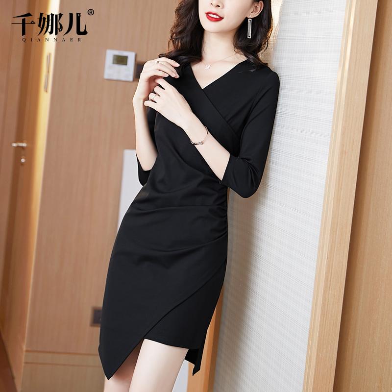 不规则连衣裙秋冬2020年新款女黑色v领中长款修身显瘦小礼服裙子
