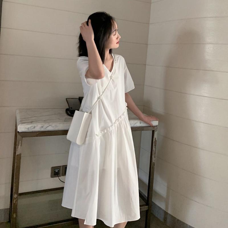 (用15元券)2019原宿港风女装梗桔初恋欧货洋气19年夏季遮肉显瘦白色连衣裙子