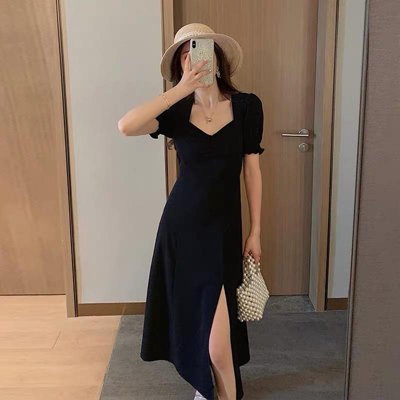 黑色连衣裙女2020年新款夏装气质方领显瘦赫本风侧开叉长款小黑裙