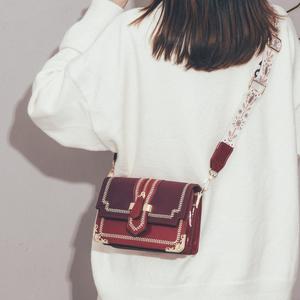 上新小包包洋气女包新款2019潮时尚简约单肩包森系复古宽带斜挎包