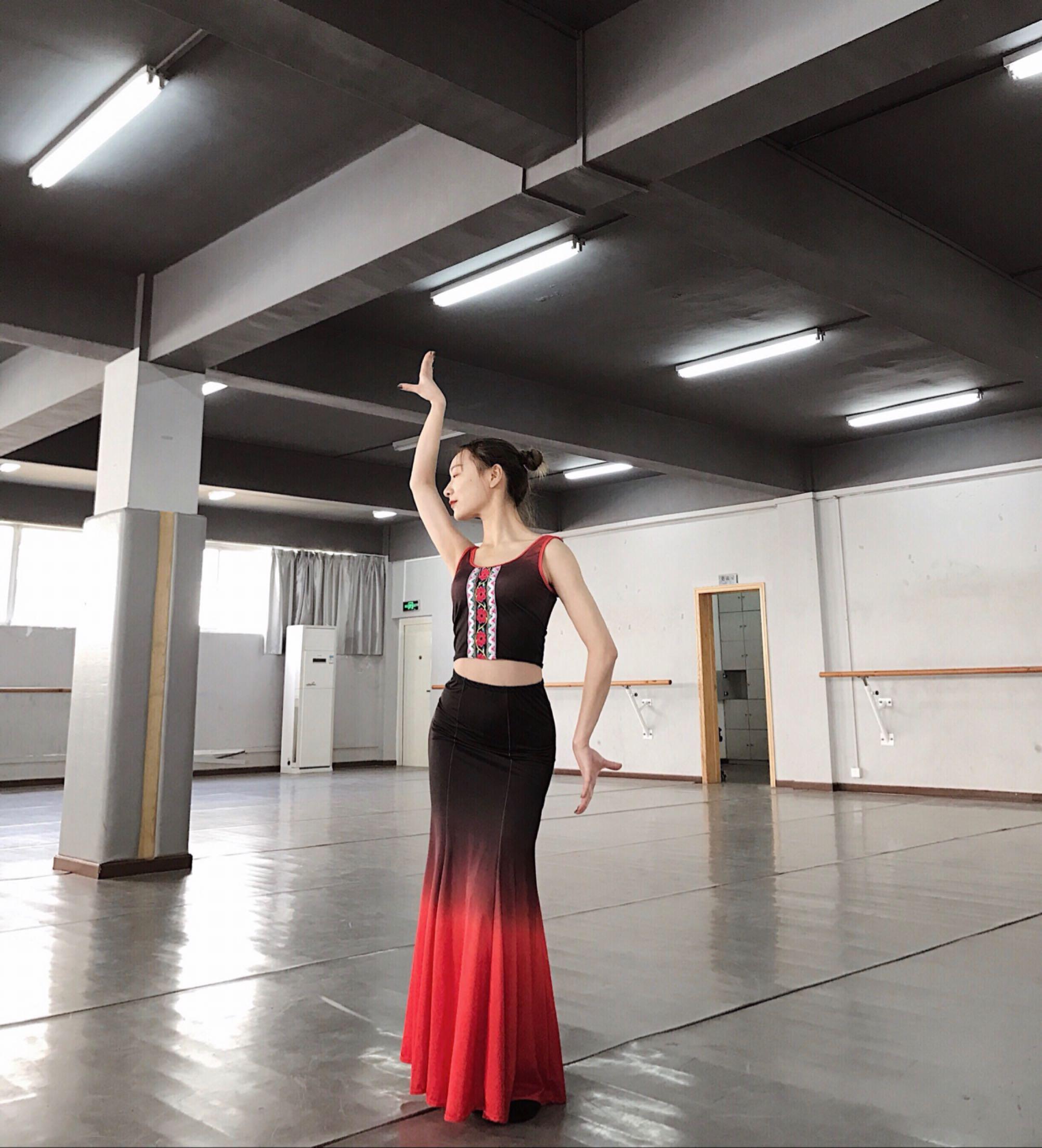 Спец. предложение новая коллекция Практика юбка платье Дай танцы костюм взрослый танец костюм национальное платье павлинский танец