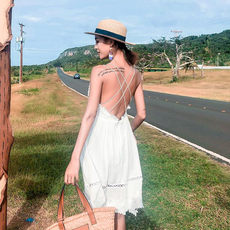 沙滩裙女小个子清新白色蕾丝性感露背仙仙连衣裙超仙短款海边度假