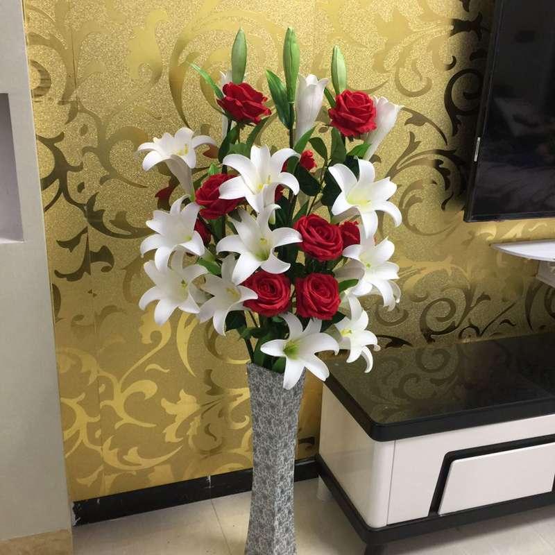 ドライフラワーの居間の着地の造花のシミュレーションプリユリの花のチューリップの新房の結婚室の装飾の花は郵送を包みます