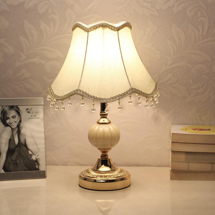 欧式卧室装饰婚房温馨个性小台灯创意现代可调光LED节能床头灯