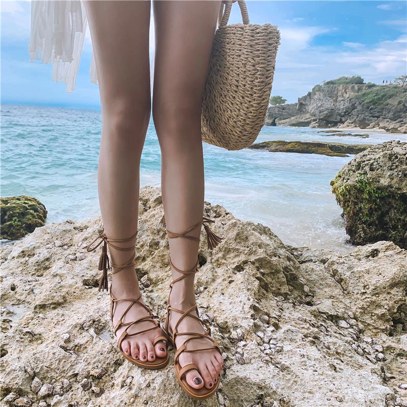 交叉绑带凉鞋海边女度假平底网红仙女风罗马系带沙滩鞋女泰国