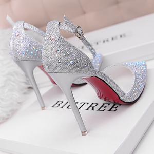 2021夏季新款时尚少女水晶尖头法式网红高跟鞋细跟百搭一字扣单鞋