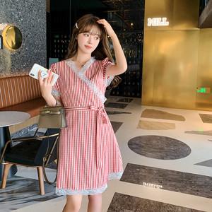 YF56602# 新款夏天法式收腰显瘦气质短款小个子性感v领格子连衣裙子 服装批发女装直播货源
