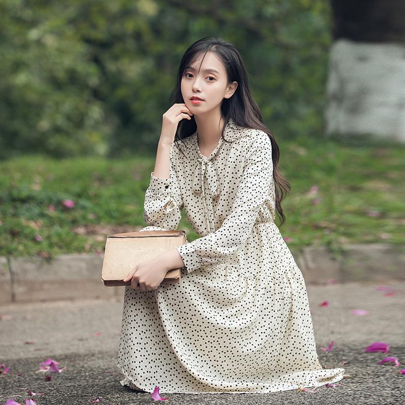 實拍秋新款法式少女復古波點雪紡連衣裙中長款V領收腰顯瘦智熏裙