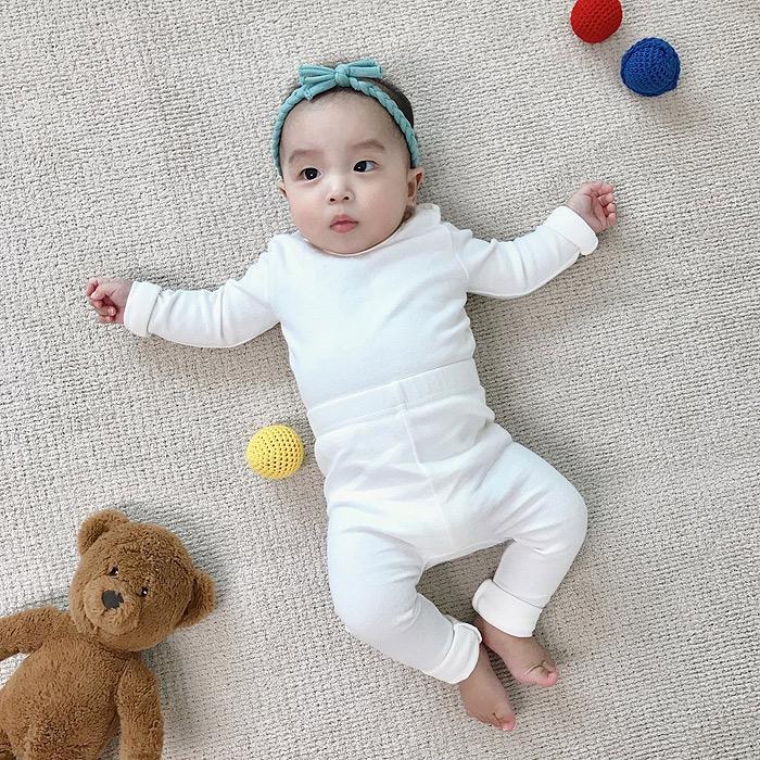 现货韩国进口婴儿纯棉内衣打底裤套装宝宝简单舒适亲肤家居睡衣