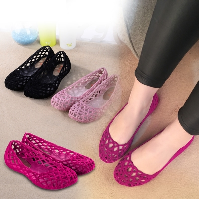 Summer hollowed out plastic sandals womens antiskid mothers flat bottom net shoes work shoes womens middle-aged casual Baotou shoes