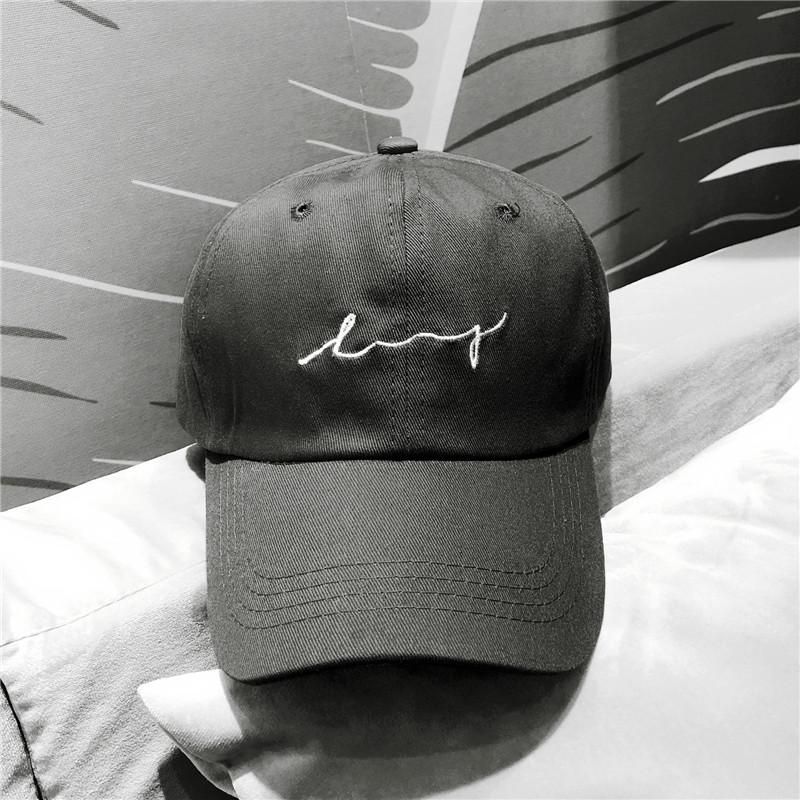 【幸运】软顶黑色棒球帽日系百搭文艺鸭舌帽子女遮阳波浪刺绣休闲限时抢购