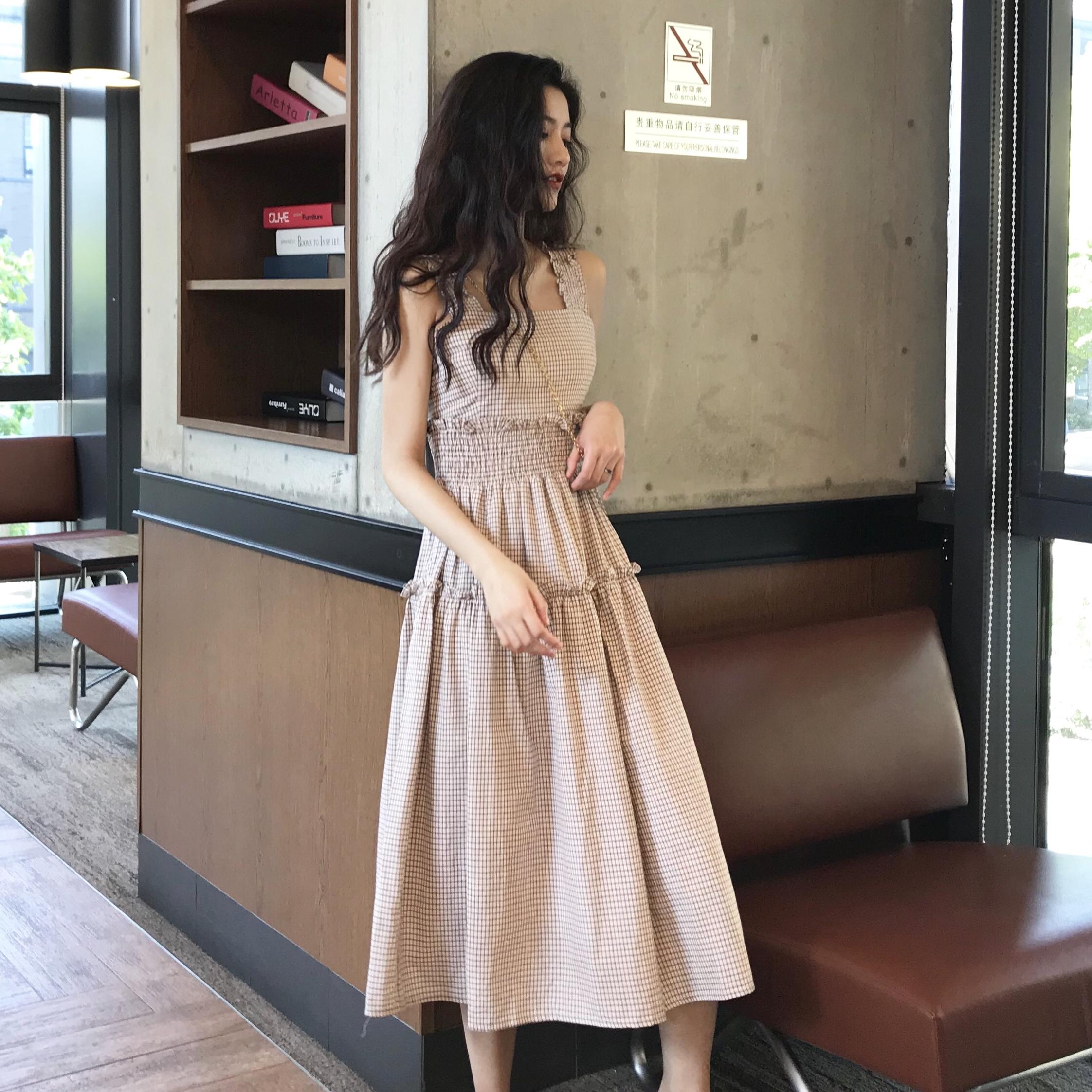 夏季韩国温柔风木耳花边收腰中长款格子连衣裙女度假无袖背心裙