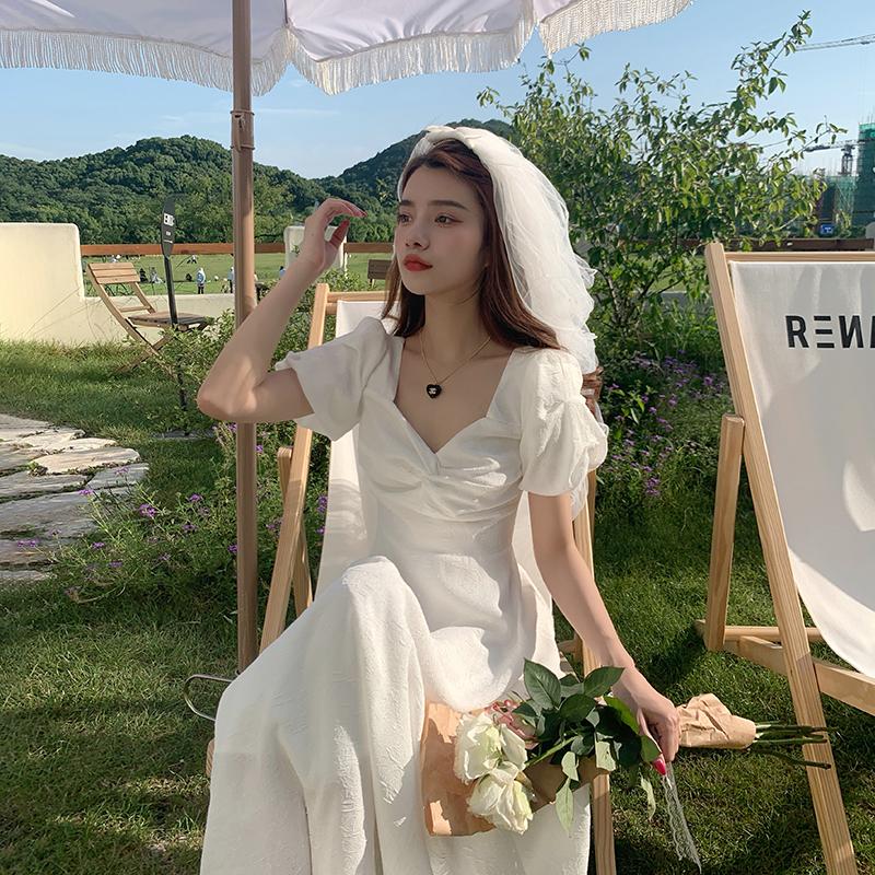 2021夏季新款法式仙女初恋白色连衣裙收腰显瘦气质温柔风甜美长裙