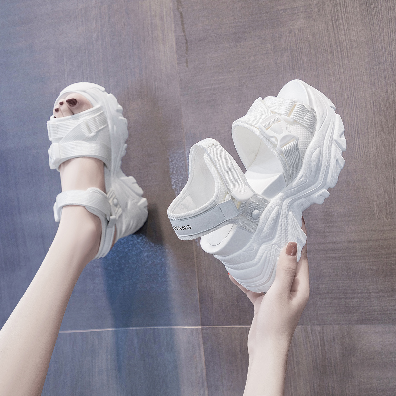 厚底凉鞋仙女鞋子罗马内增高2021年新款夏季坡跟时装运动松糕爆款