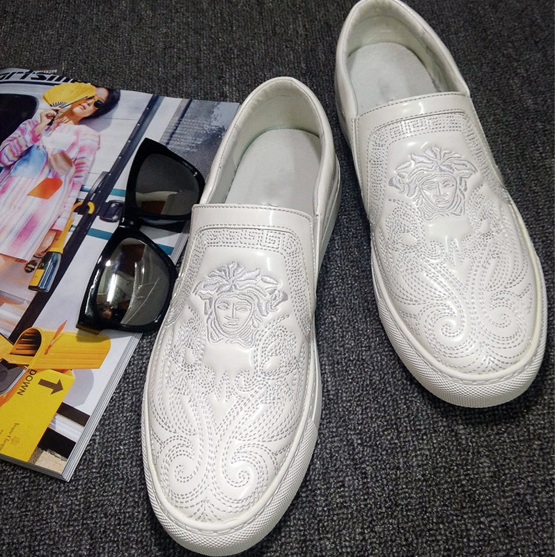 Autumn white British casual board shoes with one foot inside high lazy shoes flat bottom large size Korean Lefu shoes mens fashion