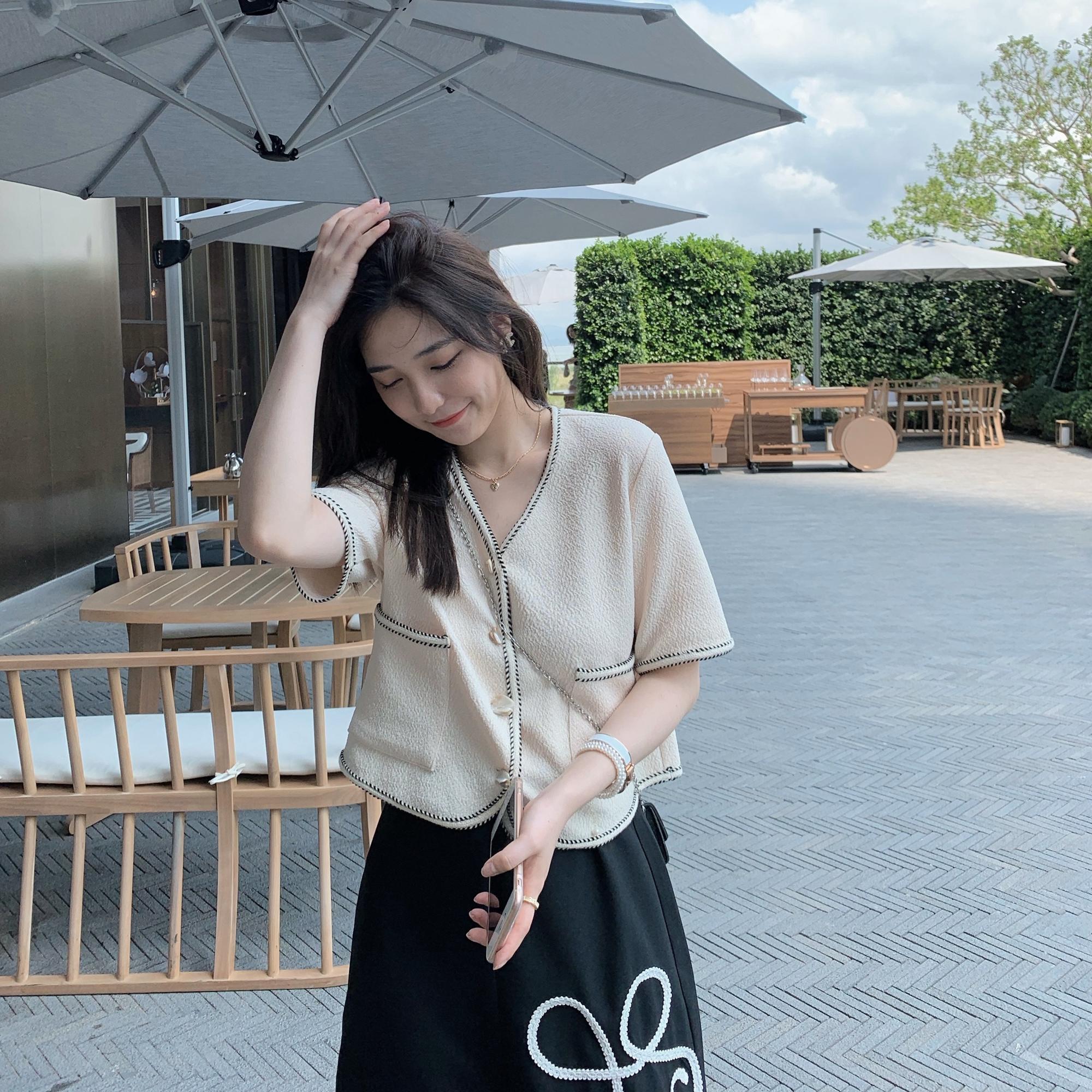 王心慈 名媛开衫小香风 夏季新款简约气质显瘦短款小外套上衣女
