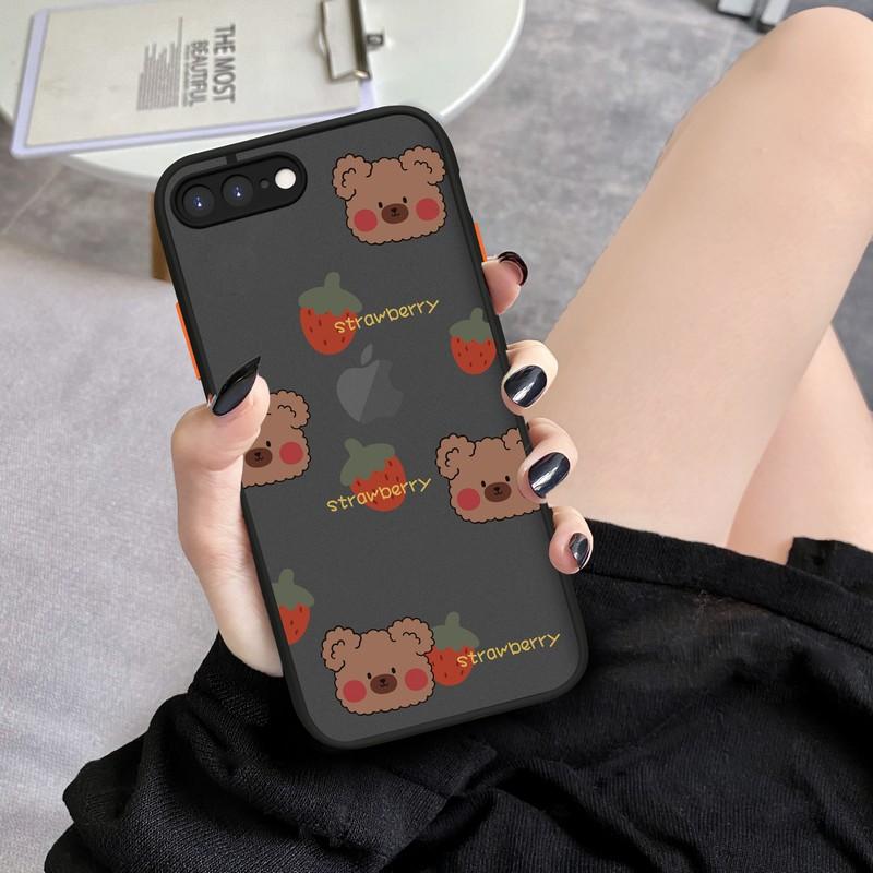 苹果8plus手机壳草莓熊硅胶苹果7plus摄像头全包phone7/8潮牌男女款个性创意苹果se2撞色卡通防摔6s plus磨砂
