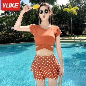 泳衣女保守学生分体平角游泳衣2021新款显瘦遮肚运动大码温泉泳装