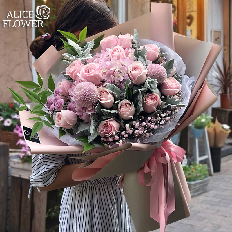 卒業シーズンの杭州の花の速達同城のバラのアジサイは入り乱れて花束の夫の誕生日を予約して花屋を予約して来ます。