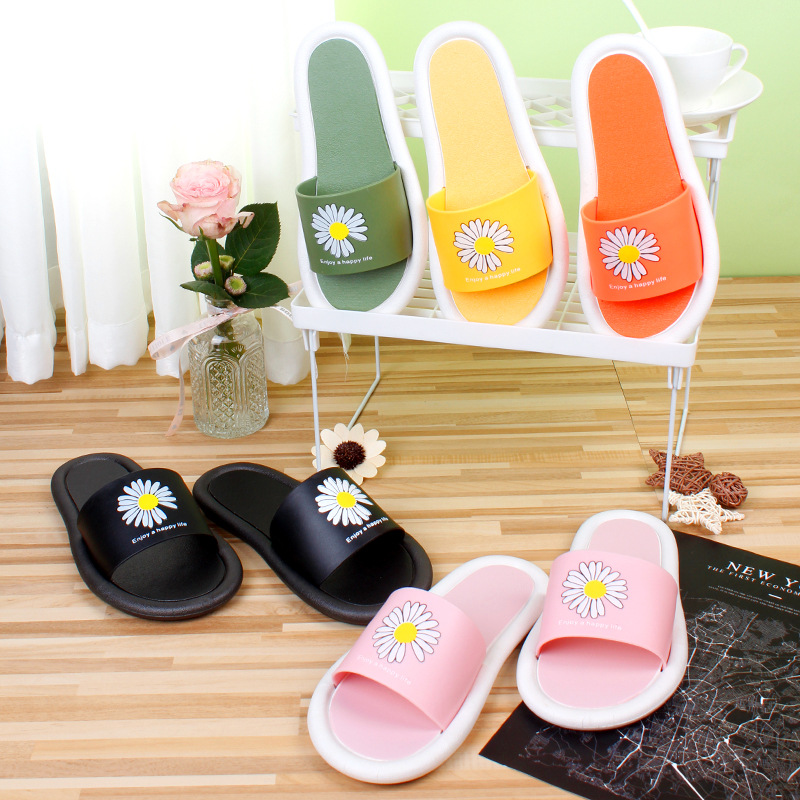 Summer new small daisy slippers women wear net red fashion ins leisure home cool slippers