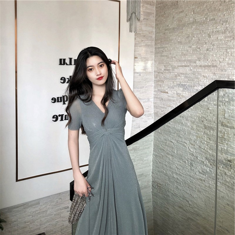 Long skirt shows thin and high 2020 fashionable new style waist shows thin and high Hong Kong style long skirt dating heart